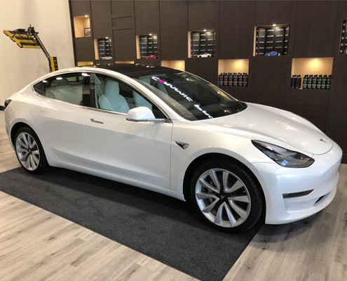 14.0 Tesla Model 3 Featured