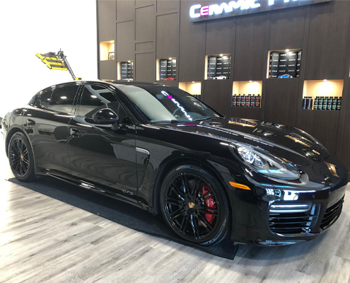 15.0 Porsche Panamera Featured