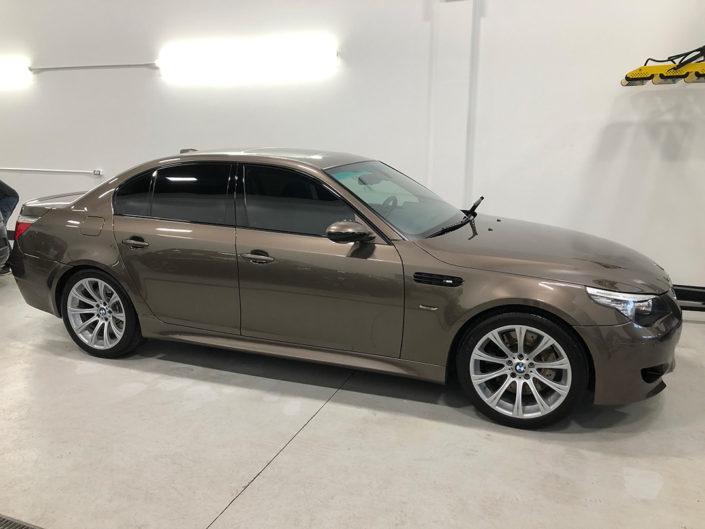 21.0 BMW M5 E60 2007